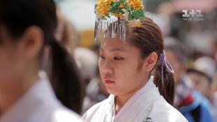 """Семья в """"аренду"""", похороны при жизни и сад травяной сакуры. Япония. Мир наизнанку - 5 серия, 9 сезон"""