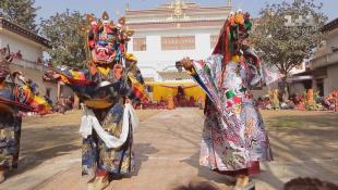 Кремация чиновника, храм Камасутры, король Мустанга и Тибетский Новый год. Непал. Мир наизнанку - 13 серия, 8 сезон