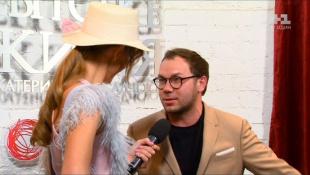 Андре Тан збирає модний гардероб для новонародженої доньки Соні